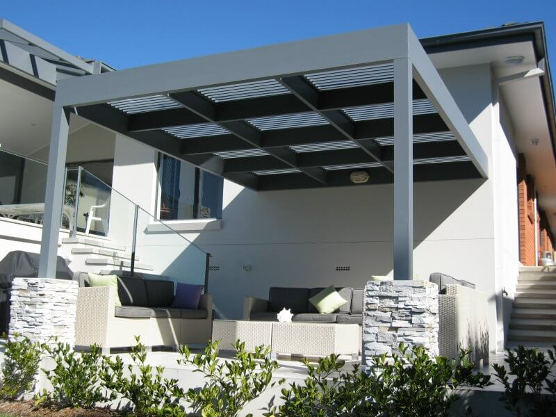 outdoor-awnings-sunhoods