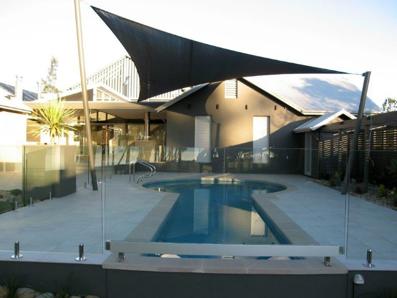 Glass pool fencing design installation ozone sails for Pool design newcastle